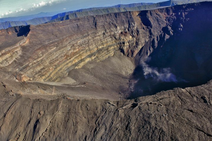 Vue du ciel du volcan Piton de la Fournaise