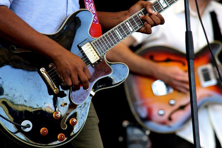Un peu de guitare avec le Sakifo Musik Festival