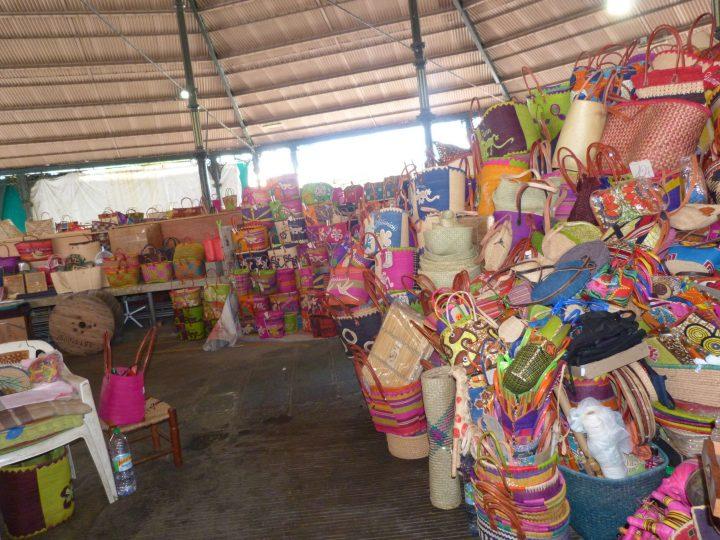 Le marché forain de Saint Pierre à la Réunion
