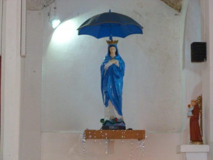 Les traditions à la Réunion avec la Vierge Parasol